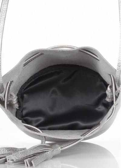 Серебряная кожаная сумочка на завязках Bucket