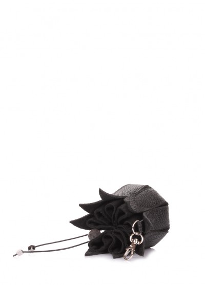 Кожаная ключница-цветок